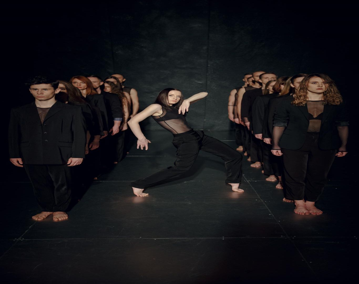 """""""Dėmesio! Baletas"""": apie bėgančius į tikslą ir jų šmėklas"""